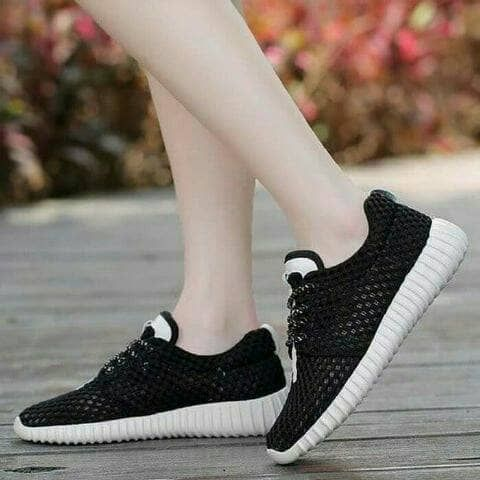 Yezzy Jala Hitam 77 Sepatu Wanita Sepatu Hitam
