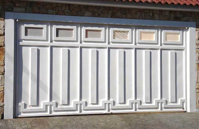Portão de Chapa EP-518 pode conter revestimento de #chapa #20 ou #24 #galvanizado a fogo com 70mm de largura no desenho vertical, diagonal ou espinha de peixe.