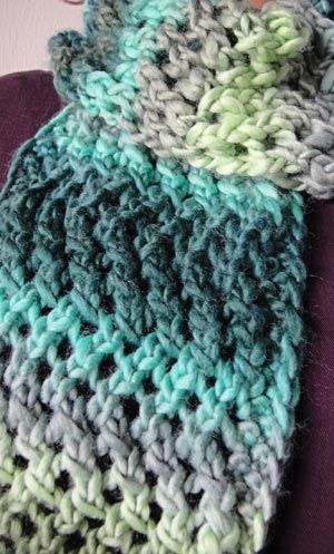 Knitting Pattern For Yarn Over Scarf : 167 best images about Chunky Knit Free Patterns on ...