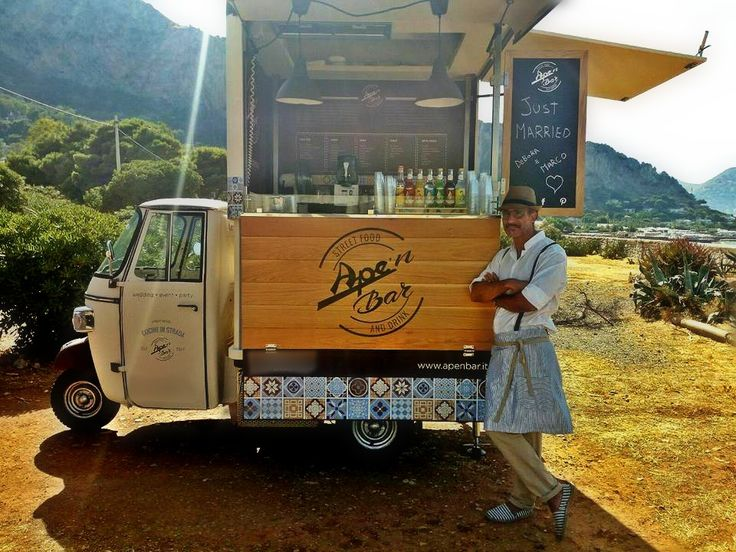 Ape'n Bar is built on Ape V-Curve and travels across Sicily bringing its sicilian specialties to the people. You can usually find it at San Lorenzo market in Palermo.  #CoffeeBar #MobileCoffeeShop #PiaggioApe