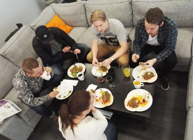 Yhteinen lounashetki! #mpfamily #mediaplanet