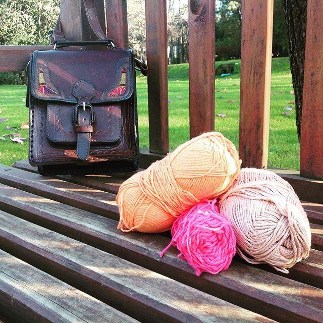 SnapWidget | Yo pensando en el próximo proyecto! Y ustedes que tejen? Que tengan linda semana! #algodón #dulcecitrico #handmade #hechoamano #ovillos #color #naturaleza
