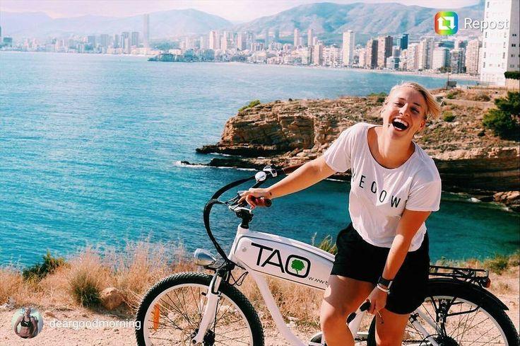 Solo necesitas una bici para descubrir Benidorm su naturaleza y sus espectaculares vistas  como @deargoodmorning #benidorm #costablanca #nolimits #bike #electricbike #nature #turismoactivo #tourism #mueveteenbici #descubre #disfruta #mediterraneo #skyline