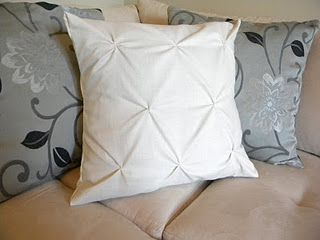 DIY tuck pillows.  Also shows how to do a bedspread and this blog has SO MANY creative projects I like