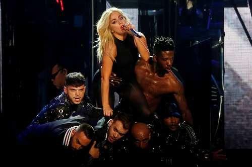 Spettacoli: #Lady #Gaga e il Principe William per la salute mentale (link: http://ift.tt/2pw2D1p )