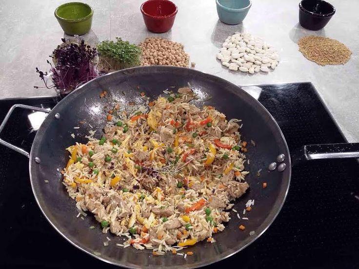 Κινέζικο τηγανητό ρύζι με κρέας, κοτόπουλο και λαχανικά από την Αργυρώ Μπαρμπαρίγου | Ένας ιδανικός τρόπος να αξιοποιήσετε φαγητό προηγούμενης ημέρας!
