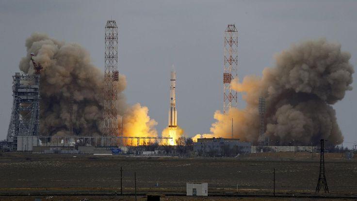 ExoMars-operaation tavoitteena on etsiä elonmerkkejä Marsista ja tuoda ihmiset askeleen lähemmäs punaiselle planeetalle lentämistä.