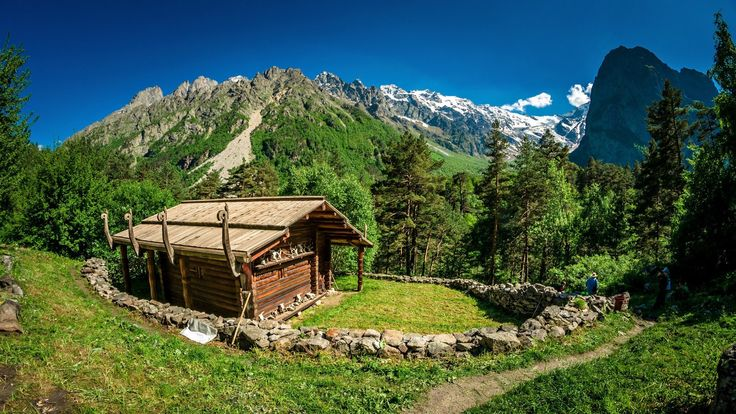 Реком, Цейское ущелье, Северная Осетия.