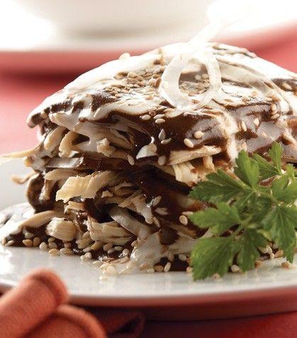 Pastel Azteca de Mole con Pollo / Recetas con mole