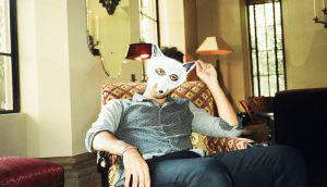 """""""The One"""" é o video de apresentação para 'Unmasked', a estreia do lobo solitário de New York, Wolf Colony, um vídeo doce e, digamos, fofinho de casais reais a fazerem coisas reais que os casais reais fazem na realidade… e felizes, principalmente felizes. A trazer à lembrança Perfume Genius, Trust ou Active Child.  #WolfColony #TheOne #Unmasked #SynthPop #RnB #IndieRock #NYC #NovoVideo #ADescobrir #AlecPeterson #TrackerMagazine"""