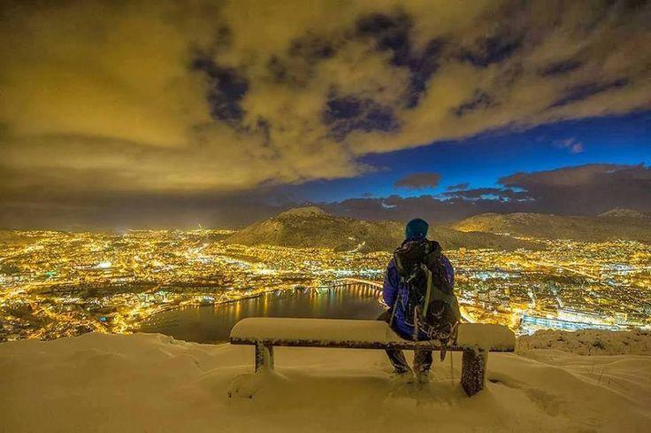 Noruega ao anoitecer. Emoticon like Climatologia Geográfica