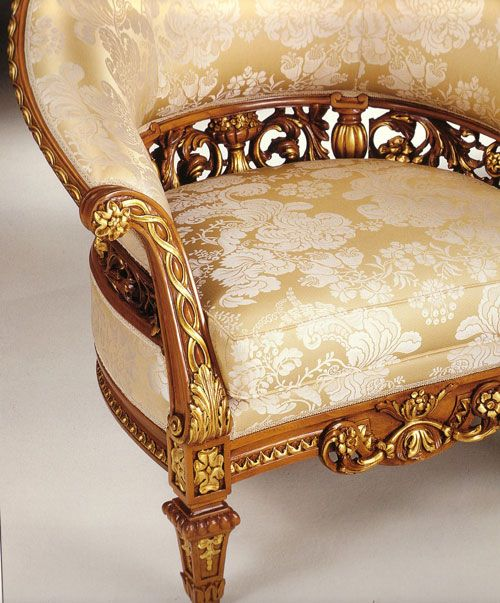French Royal Family Living Furniture Design - Top and Best Italian Classic Furniture