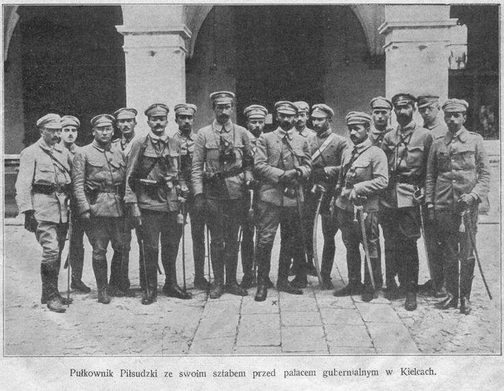 Józef Piłsudski and his staff in Kielce, in front of the Gubernator' Palace.