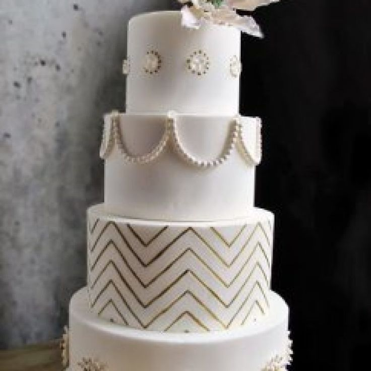 Cake Decorating In Oakleigh : 25+ best ideas about Diamond wedding cakes on Pinterest ...