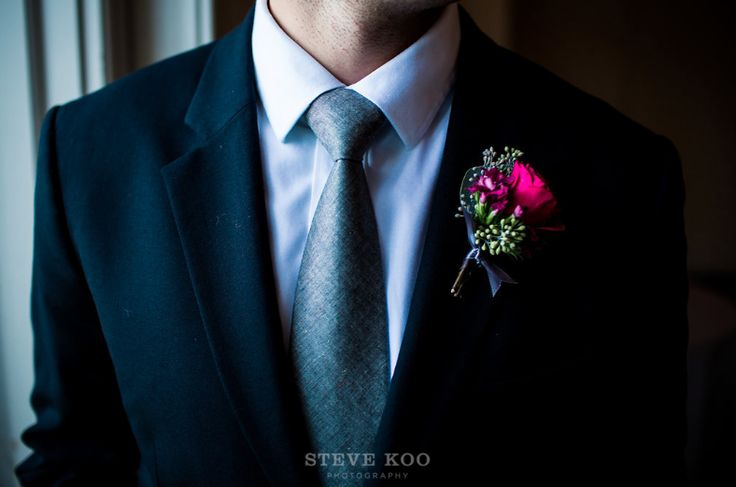 Wedding Usher's suit and purple rose boutonniere. -Steve Koo Photography. See more wedding day looks at https://stevekoophotography.com/
