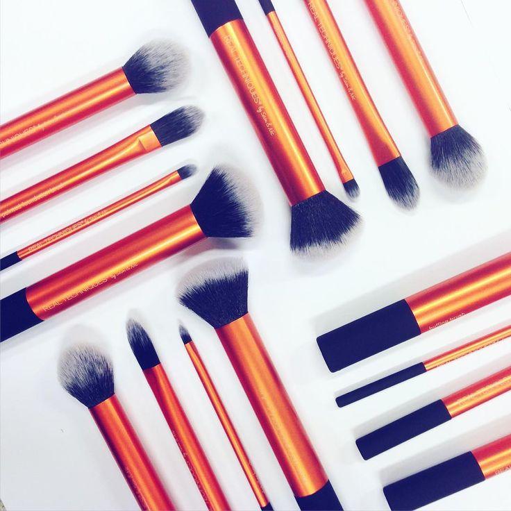 Endelig tilbake på lager✨ Core Collection fra #realtechniques med 20% avslag. Vi elsker disse sminkekostene!!! Link i bio #iglowno #sminke #makeup #beauty #corecollection #makeubrushes #sminkekoster #bestselger #love