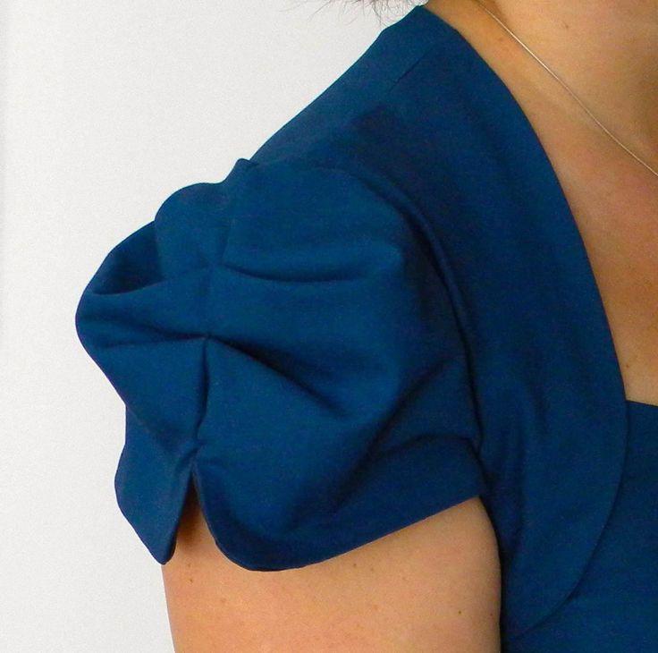 blue Roland Mouret Galaxy Dress DIY fashion vogue 8280 v8280 dress pattern sew sewing details sleeve moda tasarım dikiş blog abiye elbise kendin dik dikiş detay kol tasarımı mavi elbise giysi www.kendindik.com