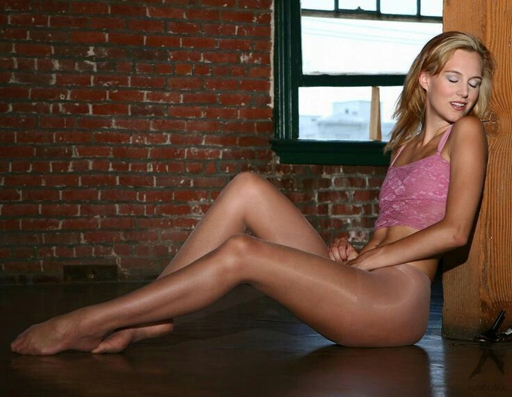 Outfits And Pantyhose In Quality 24