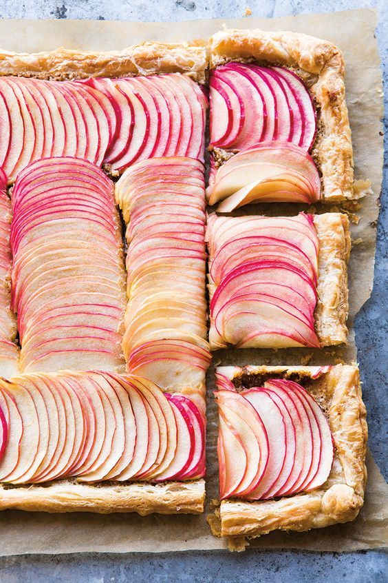 Apple Frangipane Tart | With its layers of flaky pastry, nutty-sweet almond frangipane and thinly sliced apples, this tart makes a great last-minute dessert and is showstoppingly gorgeous.