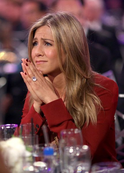 Jennifer Aniston Red Nail Polish - Jennifer Aniston matched her nails to her red…