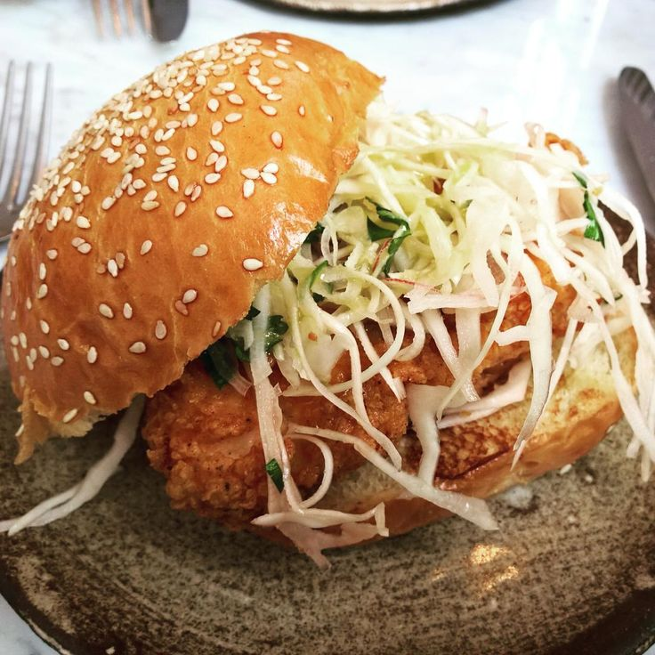 Buttermilk fried chicken, cabbage and onion sandwich @ellsworth.paris This way of cooking the chicken is a classic there and it's absolutely delicious! @lefooding #lefooding