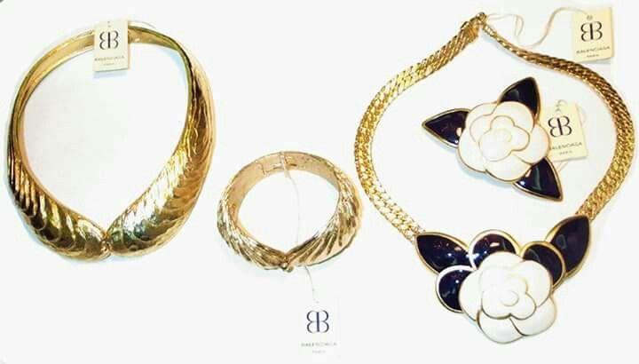 #Gioielli #Balenciaga anni 80 #smalto a #fuoco e #stampi #collezione #Annarita #Vitali www.annaritavitali.jimdo.com