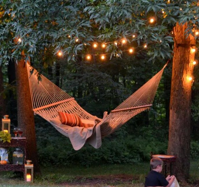 Backyard hammock gardens string lights and backyards for Ideas for your garden
