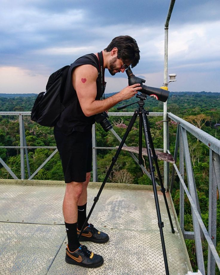 Birdwatching at @cristalinolodge!  Considered among the bestobservation towersin the Amazon they are50 meterstall and located at strategic points. Perfect!  Praticando a observação de pássaros na torre com 50 metros de altura no #CristalinoLodge em meio a Floresta Amazônica.  #BKNeverStops #BKGoesToAmazonia