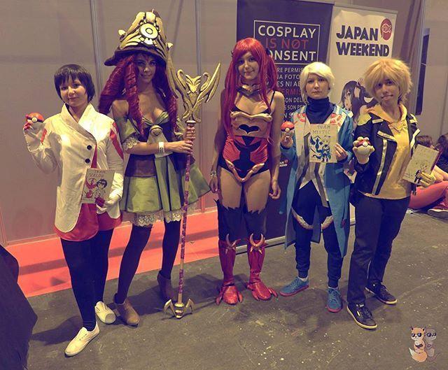 Con @selediacosplay y @talybb_cosplay en la @japanweekend Candela ⏩ Kyari ❄Blanche ⏩ Tryska ⚡Spark ⏩ Shiori  #japanweekend #japanweekend2016 #madrid #ifema #erza #fairytail #pokemon #pokemongo #blanche #spark #candela #mystic #valor #instinct #cosplayer #cosplay #pokemoncosplay #team #teaminstinct #teamvalor #teammystic #leader #trainer