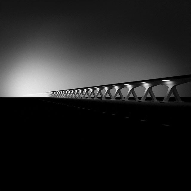 Bridge #bridge #Silta #sumu #fog #mv #bw #bnw #blackwhite #Jason65kuutio #minimalism_world #eiaivoja #arte #art #bnw_creatives #monocrome