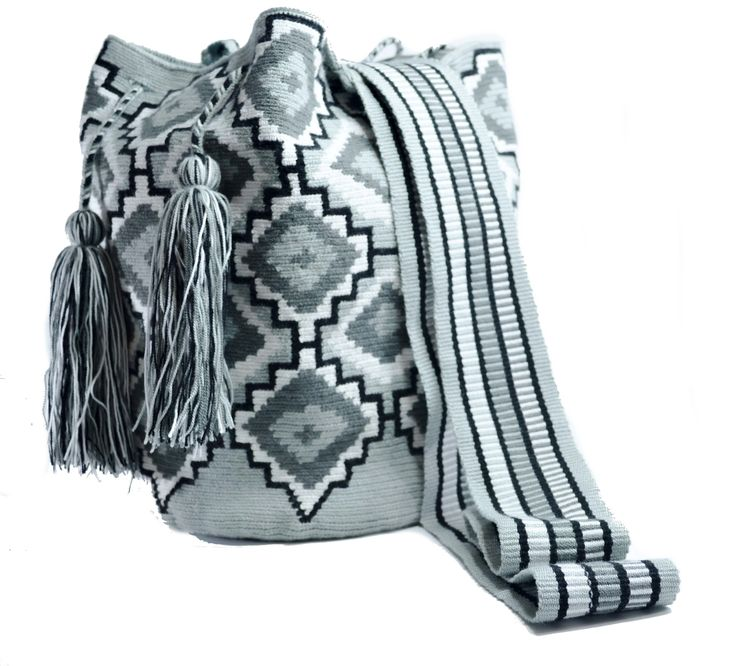Wayuu Bag - Large Mochila - Design - Premium - 410 $160  #wayuu #wayuumochila #wayuubag #wayuumochilabags #products #largebag  https://wayuu-mochila-bags.com/shop/premium-wayuu-bags/single-thread-large-mochila/authentic-wayuu-large-mochila-bag-100-colombian-boho-hobo-finest-handmade-410/