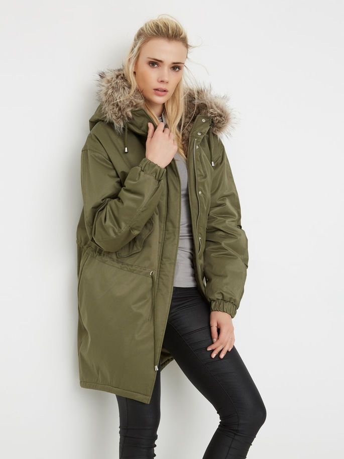 Park it up! Awesome Winter jacket with fake fur!