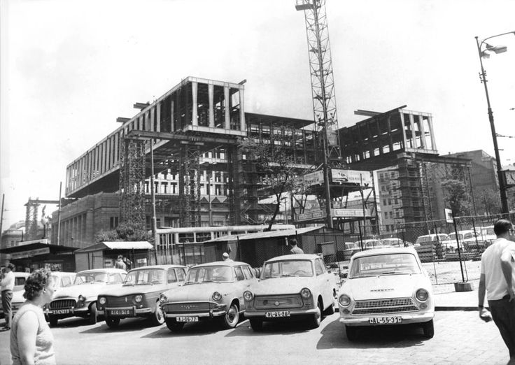 Construction of the new Federal Assembly (over the old Prague Exchange building), Prague, 1968