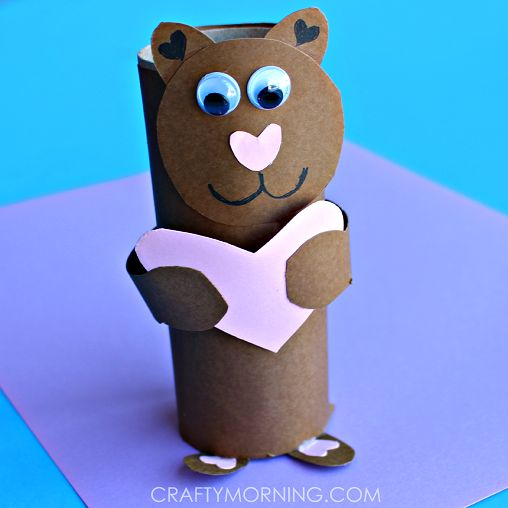 """Make a toilet paper roll bear for a Valentine's Day craft! Kids will love making this fun art project that says """"I love you beary much!"""""""