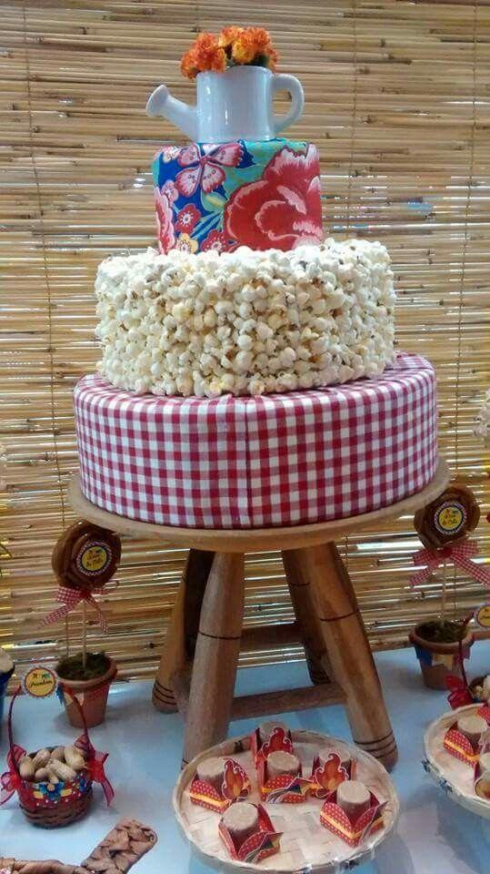 Bolo de Pipoca Festa Junina - /  Cake of Popcorn June Party -