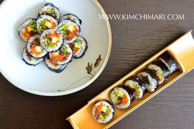 How to make Kimbap - Korean Seaweed Rice Roll. Delicious and healthy Korean style sushi with no raw fish involved! Great step-by-step recipe.