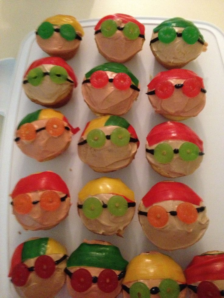 Swimmer cupcakes