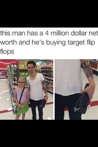 How do you just find random famous people in stores, l ik e... thats my main concern in this picture.