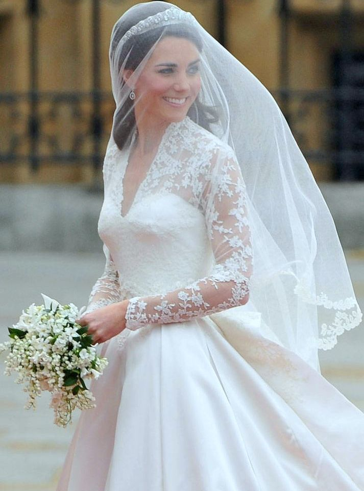 9 best Wedding Dress images on Pinterest | Short wedding gowns ...