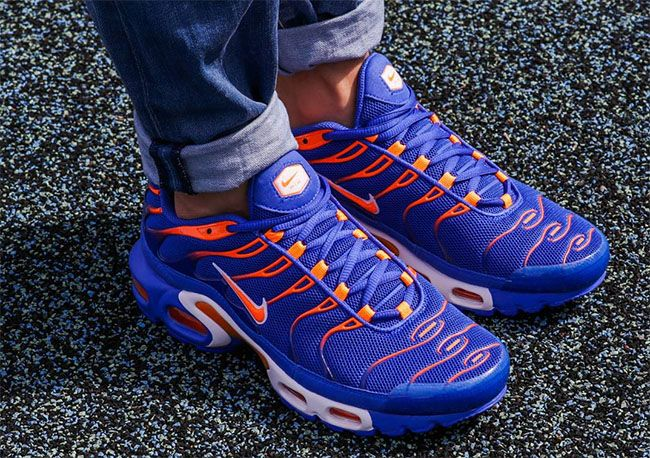 acc8edba0b05b4 ... Nike Air Max Plus Tuned 1 Knicks SneakerFiles Sneakers Shoes Pinterest  Air ...