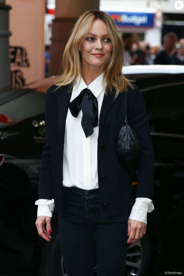 Vanessa Paradis arrive au dîner des membres du jury du 69ème festival international du film de Cannes à l'hôtel Martinez le 10 mai 2016.