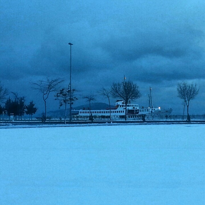#istanbul #Bostancı #morning #snow#ferry