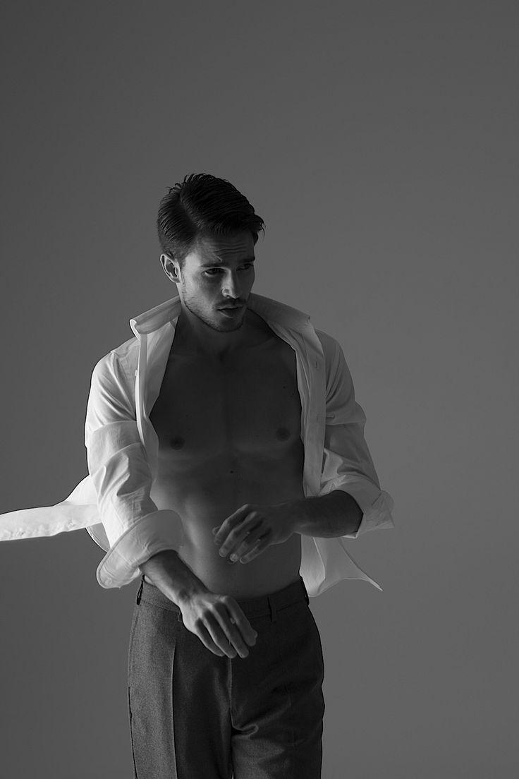 decollo dress shirts - white super stretch #mens #ladys #fashion #shirts #business #travel #pilot #italy #suits #narrowtie #style #white #monochrome #black #decollo #model #tokyo #shop #success #pinterest #decollouomo #cruise