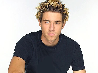 Beau Brady as Noah Lawson. 2000-2004 ( gets shot by crazy Sarah Lewis)