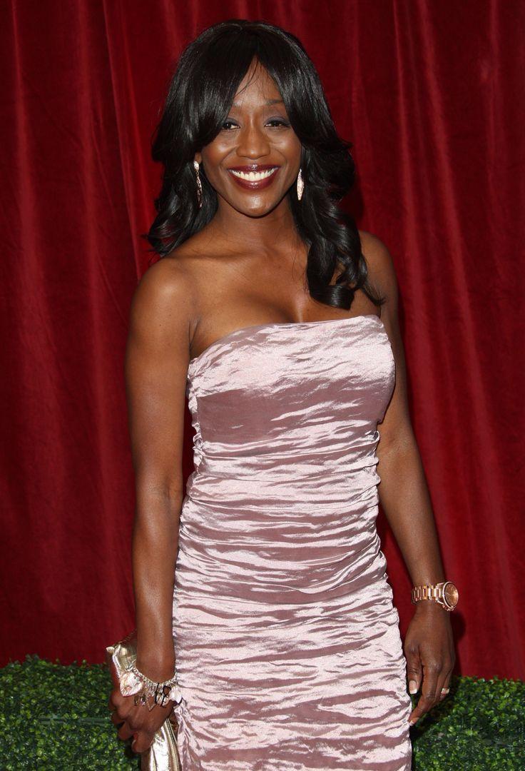 Image from http://www.vettri.net/gallery/celeb/diane_parish/British-Soap-Awards-2012/Diane_Parish_BSA-2012_Vettri.Net-02.jpg.