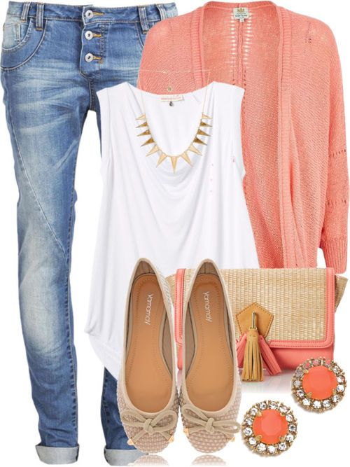 LOVE the jeans and the tank .Would rock this ins bold or neutral color (too peachy)