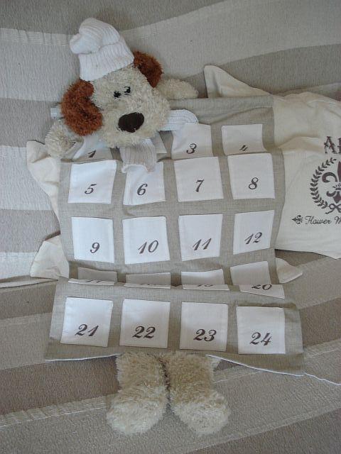 Adventní kalendář na dveře pro děti