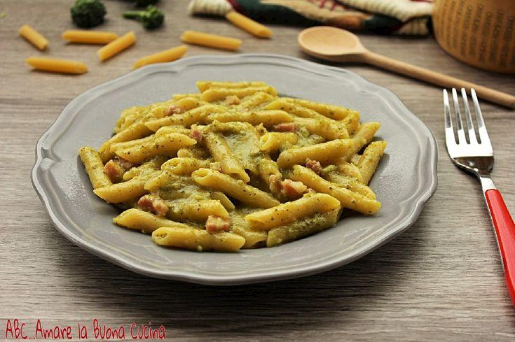 Pasta+con+crema+di+broccoli,+zafferano+e+pancetta