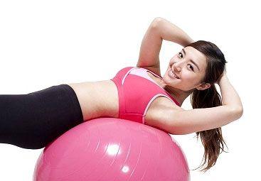 Un entrenamiento personal se caracteriza por desarrollar durante una sesión, un trabajo general y específico de entrenamiento físico, que le permita conseguir sus objetivos para obtener su bienestar y su equilibrio.