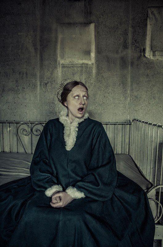 Fascinating interpretation of my medieval robe houppeande.   Authors: Ewelina Konior Słowińska , Hanna Podraza , Anna Franczyk , Małgorzata Idzi